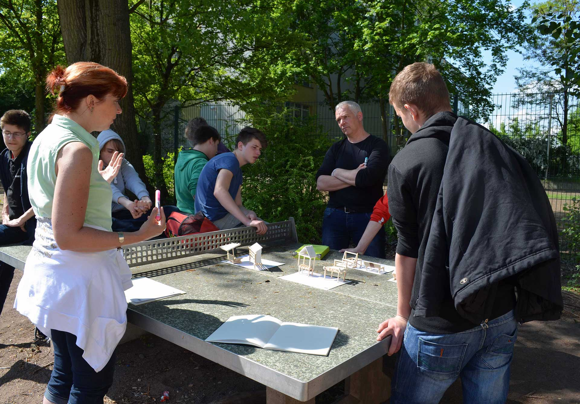 Sitzmöbel für den Schulhof an der Sophie-Brahe-Gemeinschaftsschule in Berlin